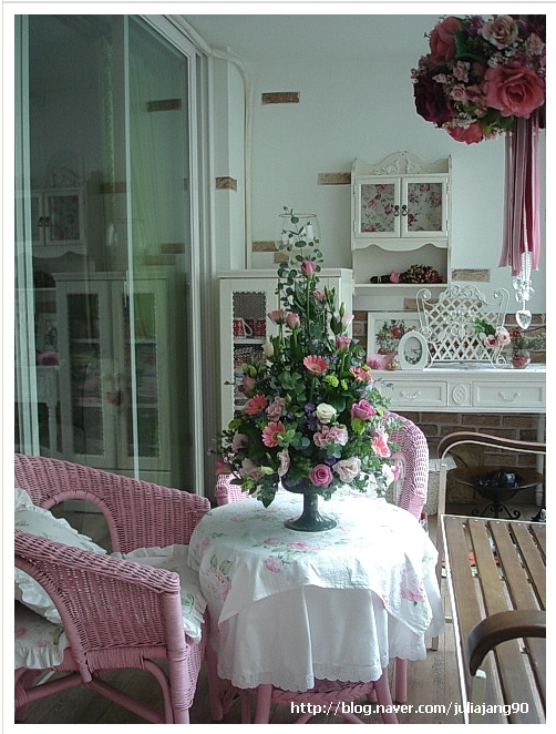 직접만든 원추형 꽃장식